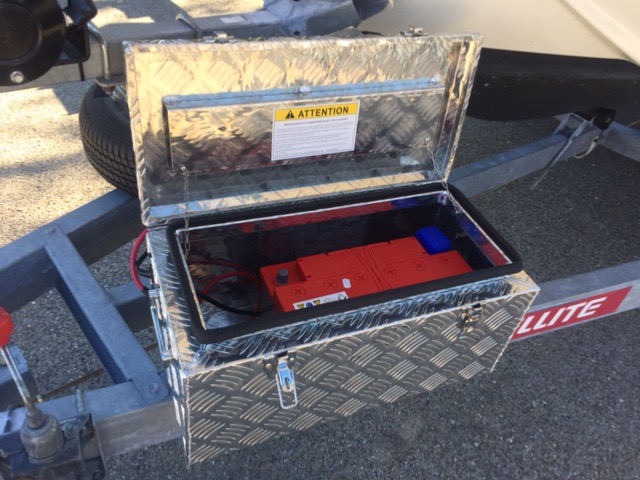 kit treuil lectrique 1 6 t porte bateau coffre pour batterie. Black Bedroom Furniture Sets. Home Design Ideas